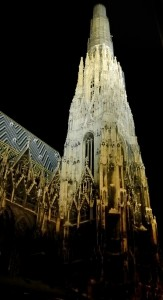 St. Stefan\'s at night (Vienna)