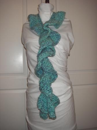 twisted-blue-scarf